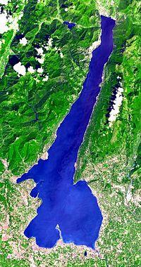 Вид озера из космоса