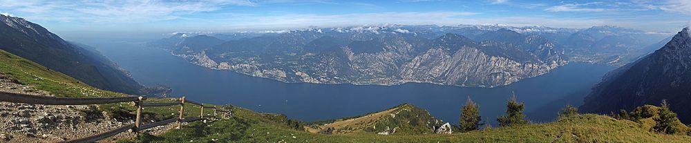 Панорама озера Гарда