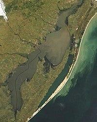 Спутниковый снимок озера 1992 года.