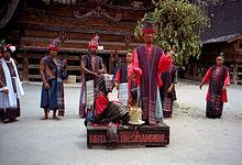 Традиционный батакский праздник Сигале-Гале