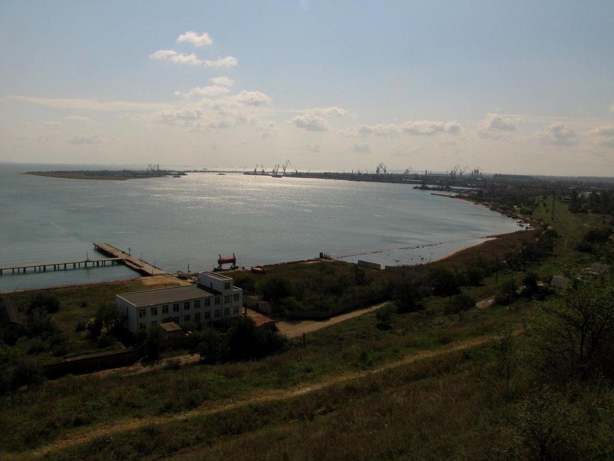 Камыш-Бурунская бухта