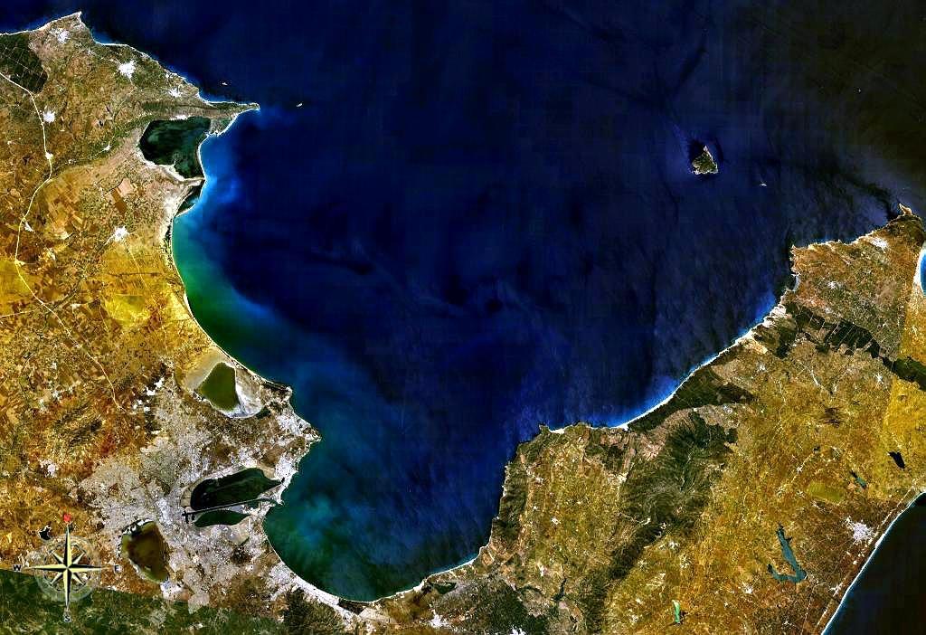Тунисский залив