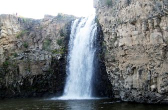 Улаан-Цутгалан (водопад)